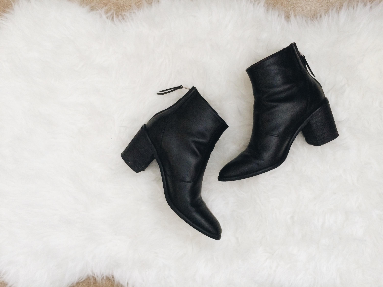 Little black boots – Everything ShyuSized